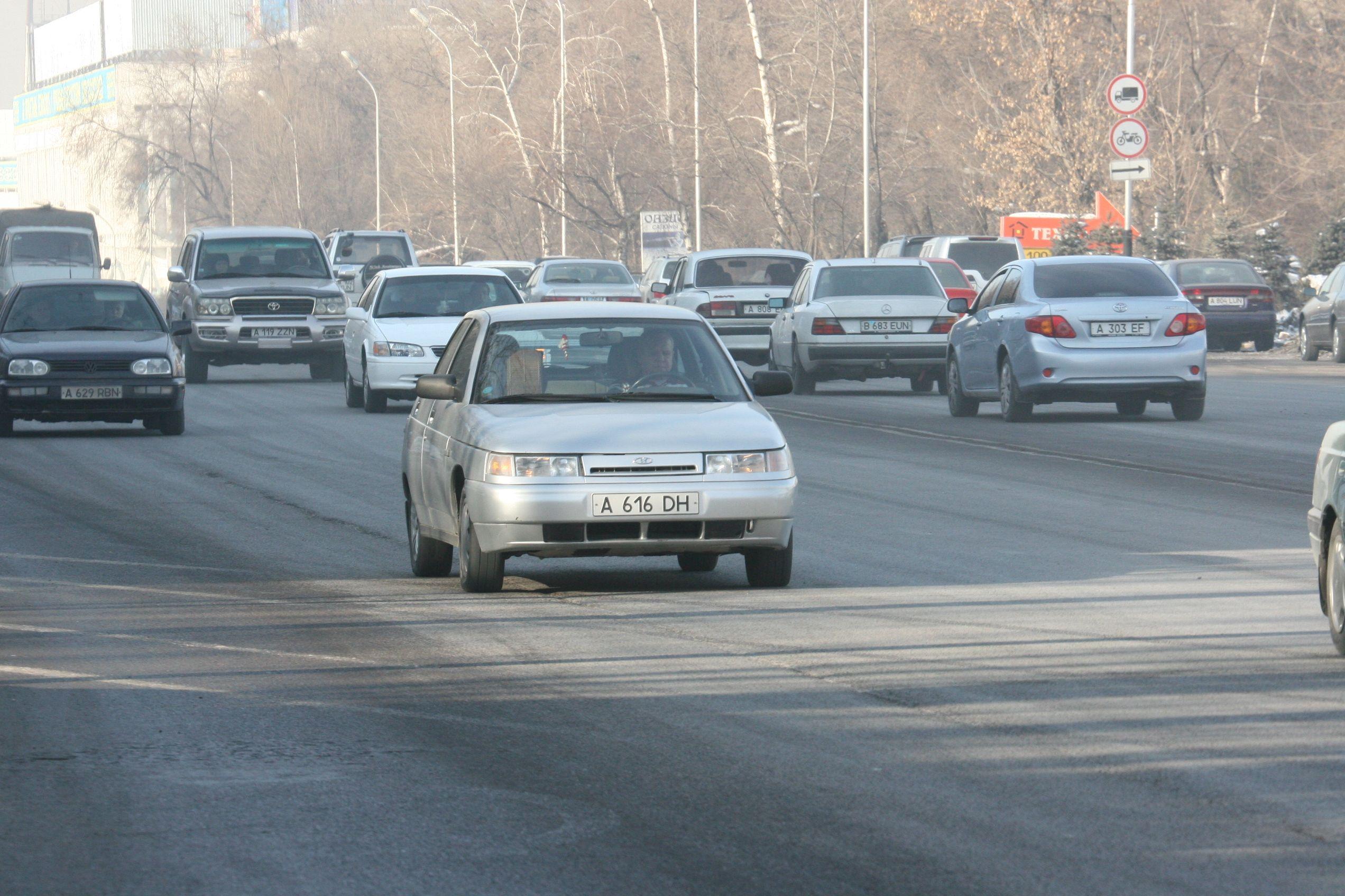 В Алматы с весны запретят парковаться вдоль Абая- Kapital.kz