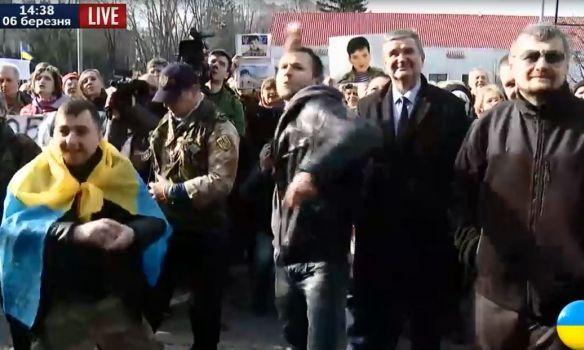 В Киеве забросали яйцами здание посольства России- Kapital.kz