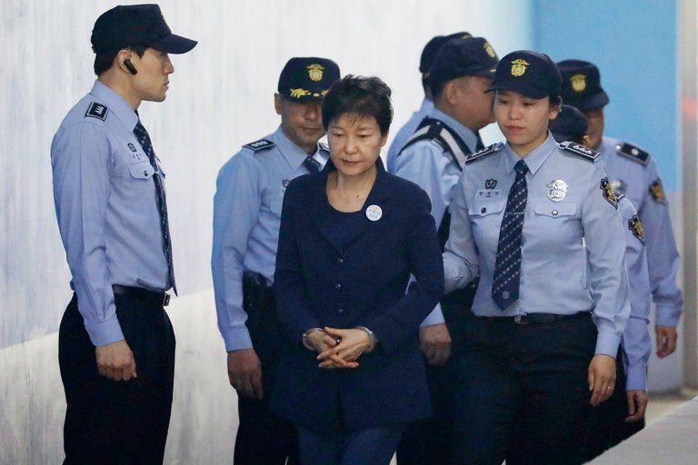 Экс-президент Южной Кореи приговорена к24годам тюрьмы- Kapital.kz