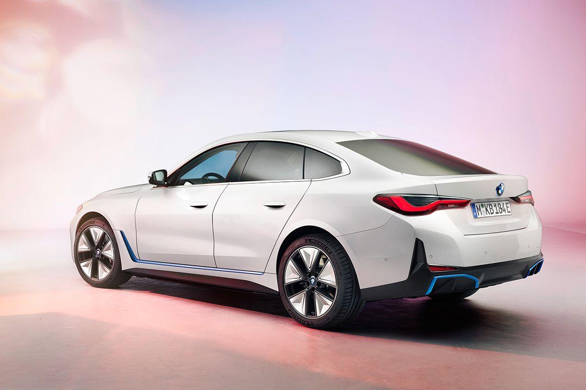 Итоги продаж в РК за февраль, новое лого Renault и BMW i4 663901 - Kapital.kz