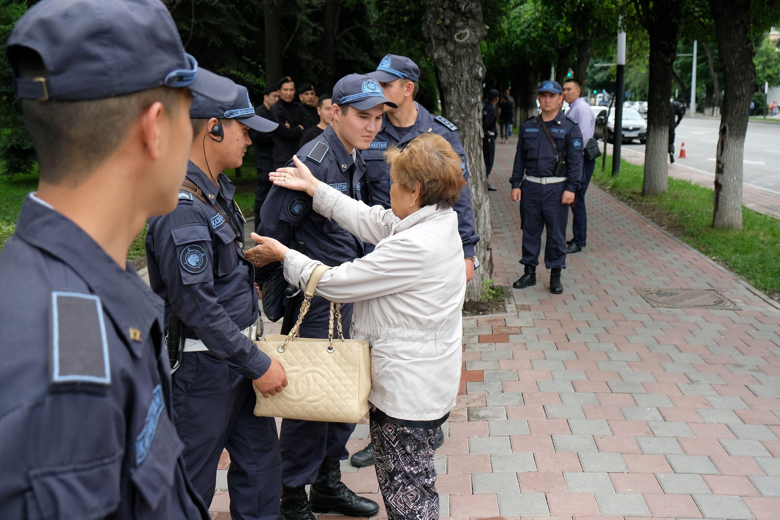 МВД: Во время митингов задержано около 4 тысяч человек- Kapital.kz