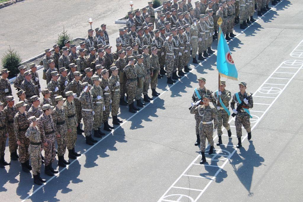 Военный мини-марш прошел в Семее- Kapital.kz