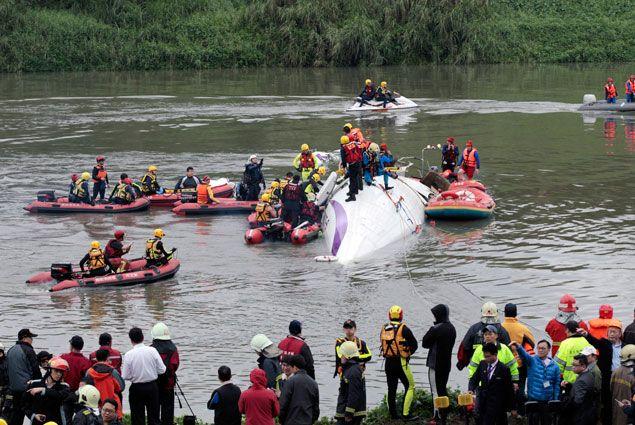 Число погибших при крушении TransAsia возросло до 32- Kapital.kz