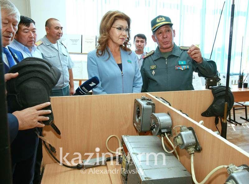 Дарига Назарбаева опробовала танковую стрельбу- Kapital.kz
