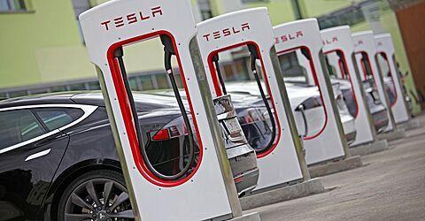 В Шанхае запустили производство зарядных станций для  электрокаров Tesla - Kapital.kz