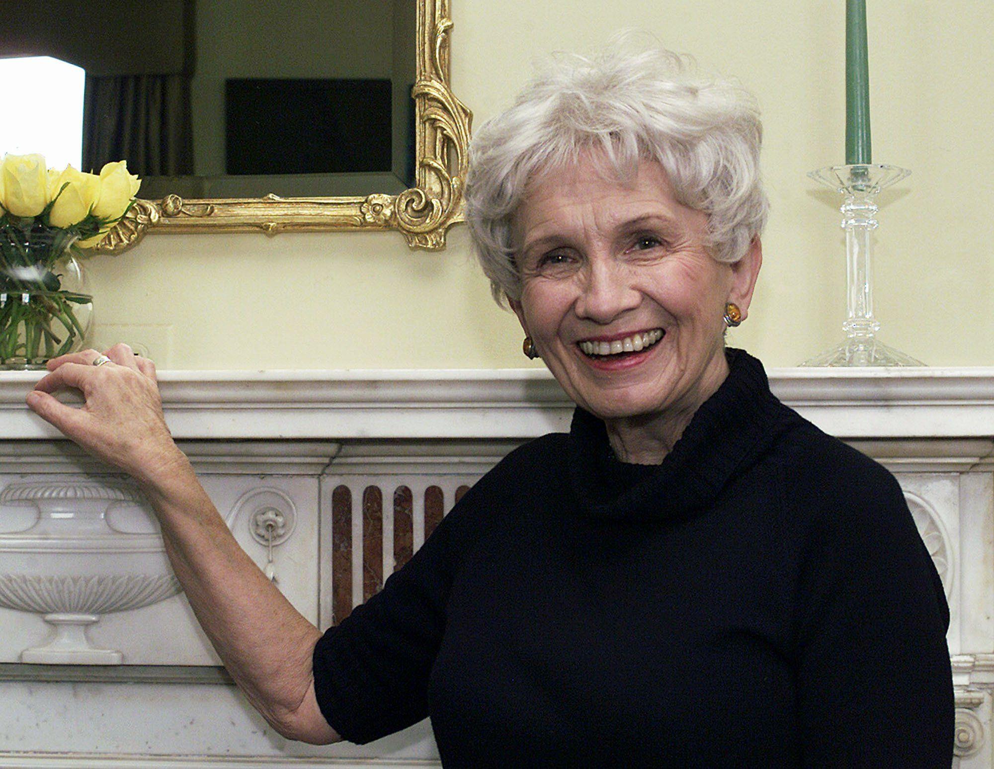 Нобелевская премия по литературе присуждена Элис Мунро- Kapital.kz