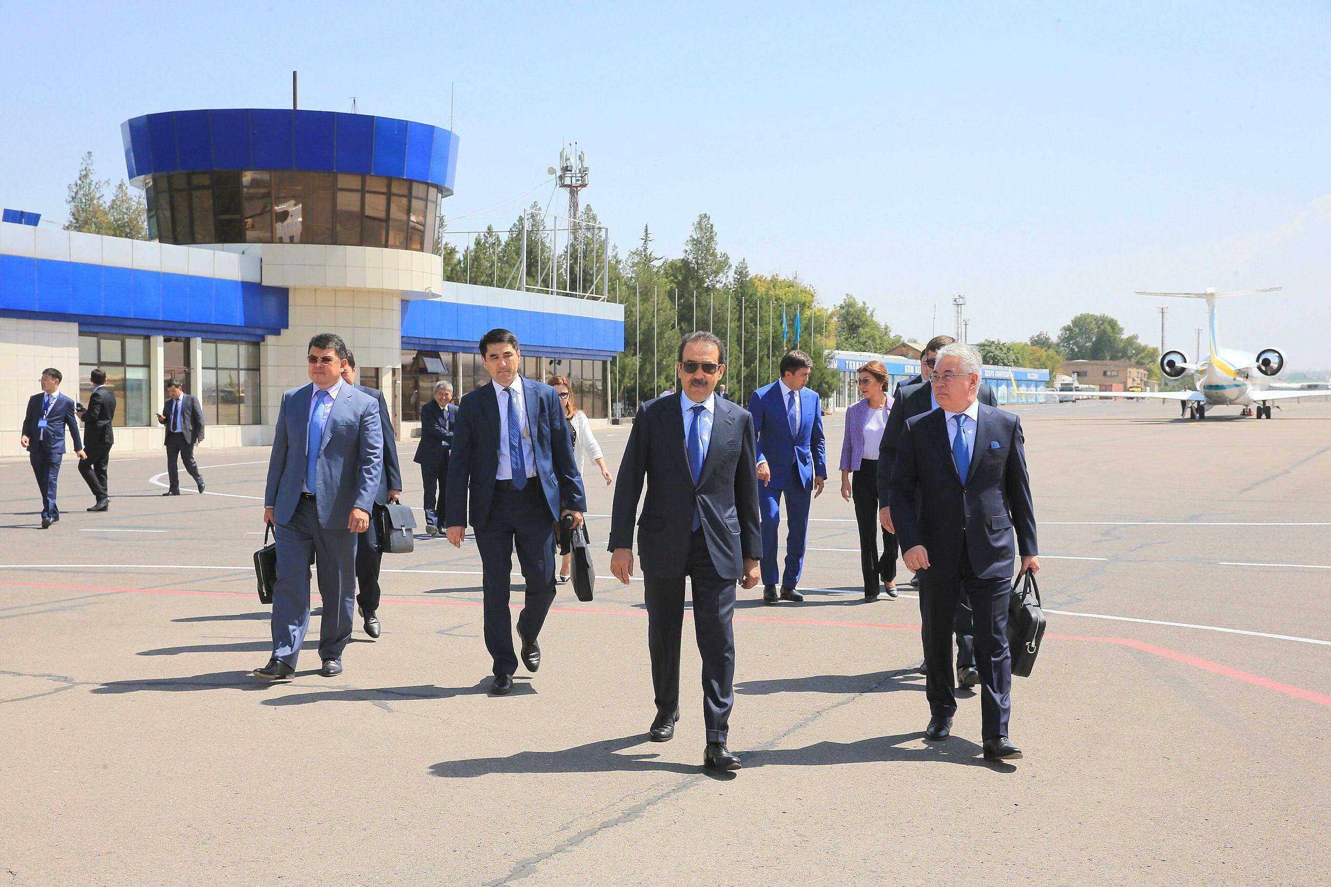 Карим Масимов проверил систему безопасности объектов транспортной инфраструктуры Шымкента.
