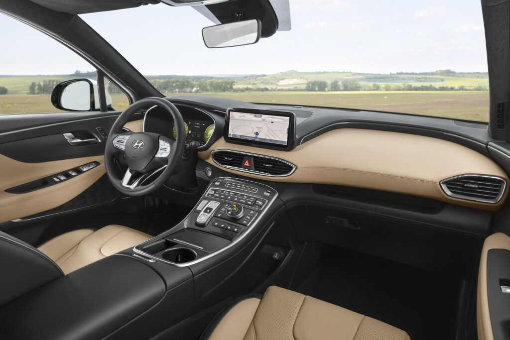 Перспективы Infiniti, «четверка» BMW, обновленные Santa Fe и Hilux 335798 - Kapital.kz