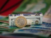 Доллар или тенге: какой валюте вкладчики доверяют больше