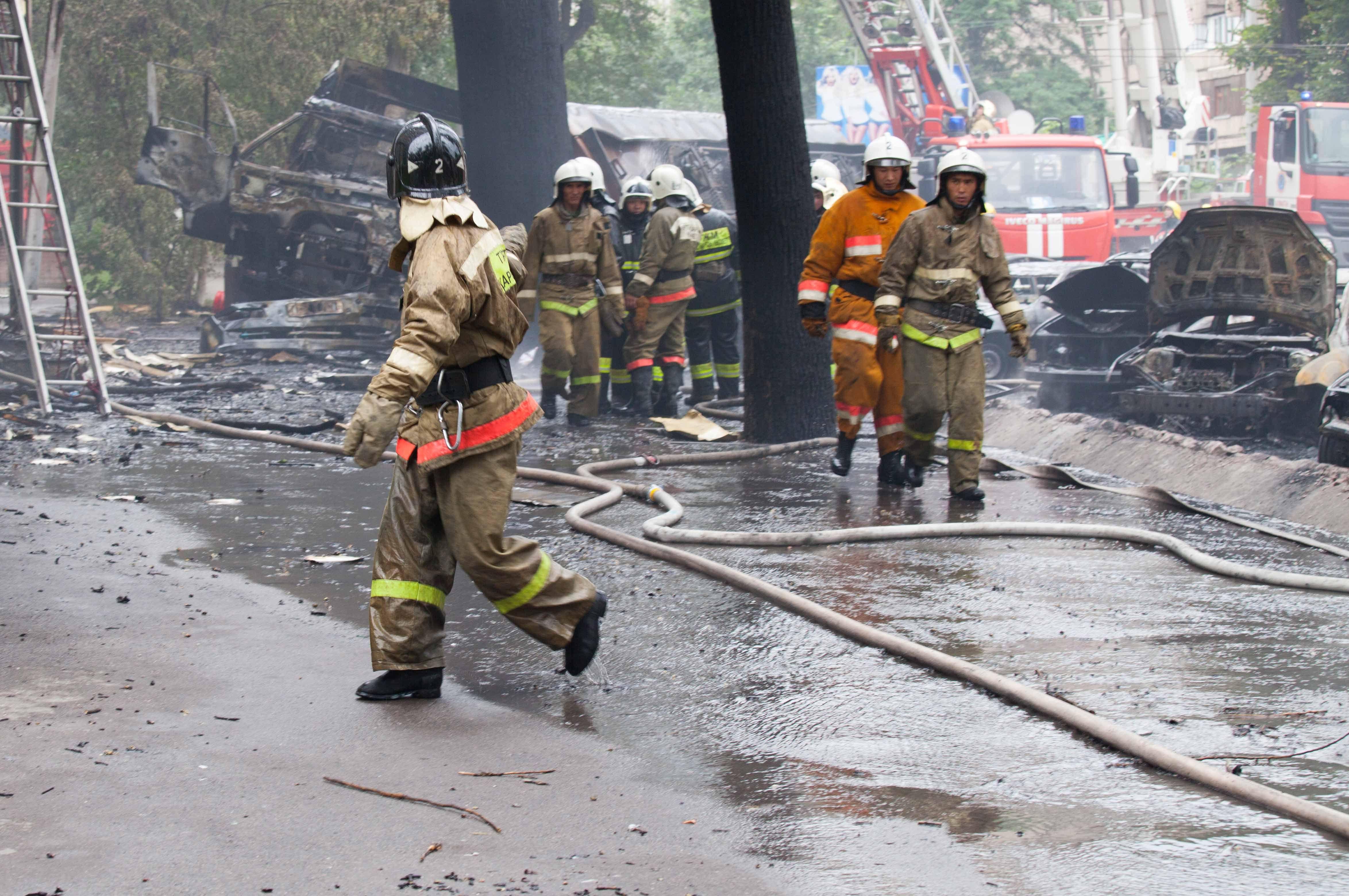 Правоохранительными органами города Алматы установлена личность погибшего при взрыве бензовоза водителя. Им оказался 27-летний житель Илийского района Алматинской области.