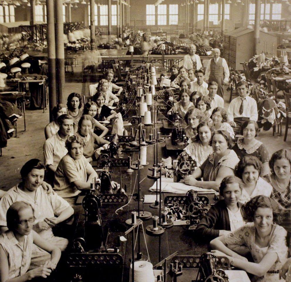 Фабрика, принадлежащая Хьюго Боссу