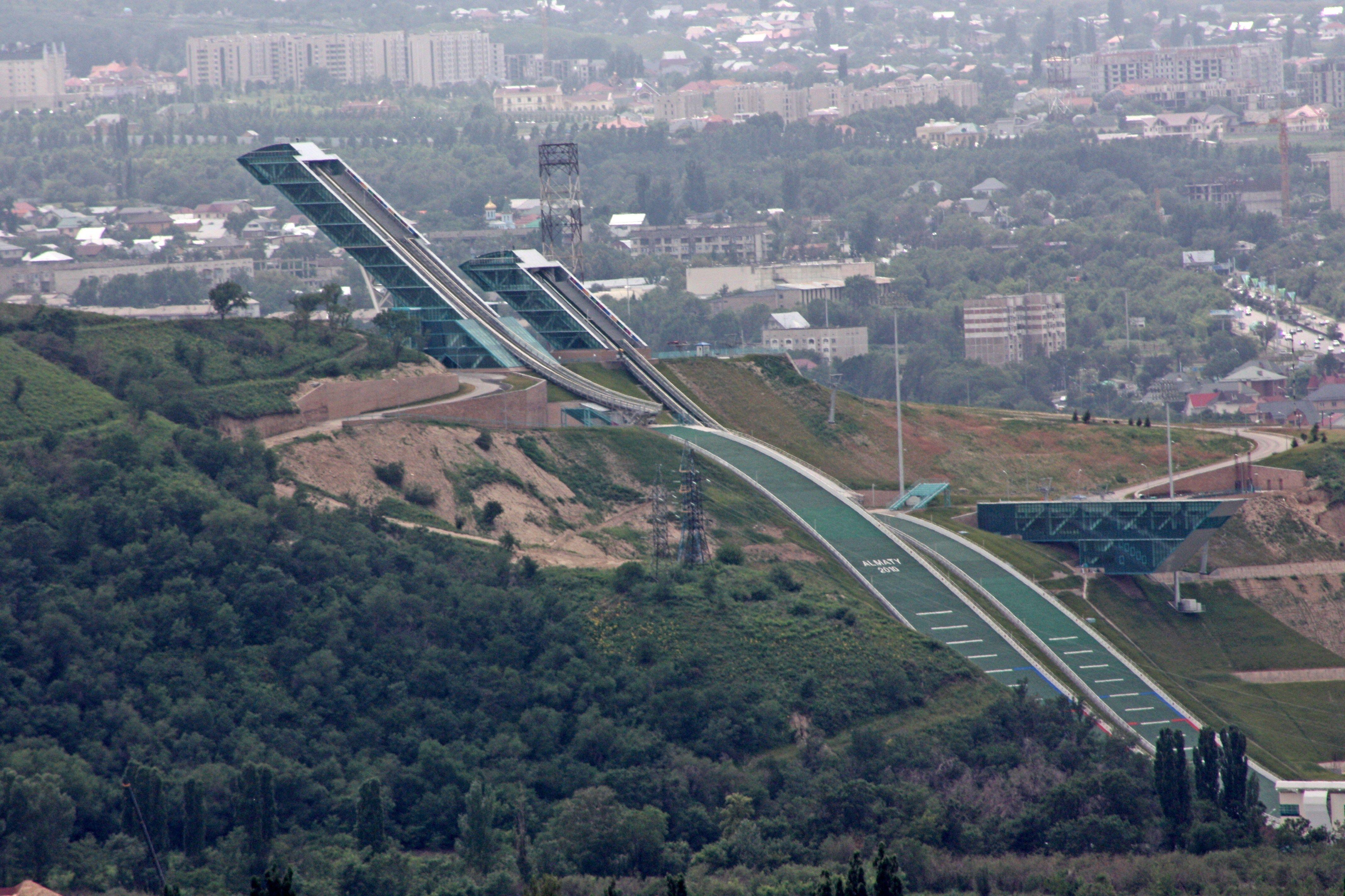 В Алматы ко Дню Победы открылись 3 новых лыжных трамплина- Kapital.kz