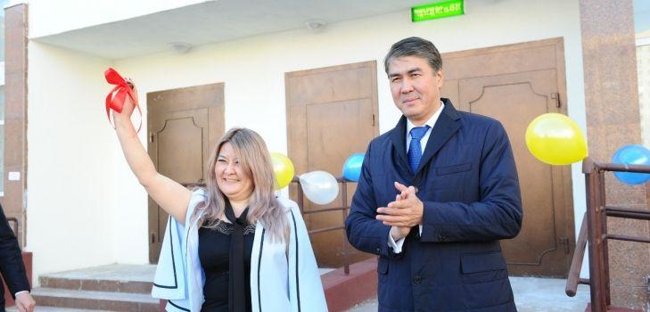 Аким Астаны вручил ключи отновых квартир- Kapital.kz