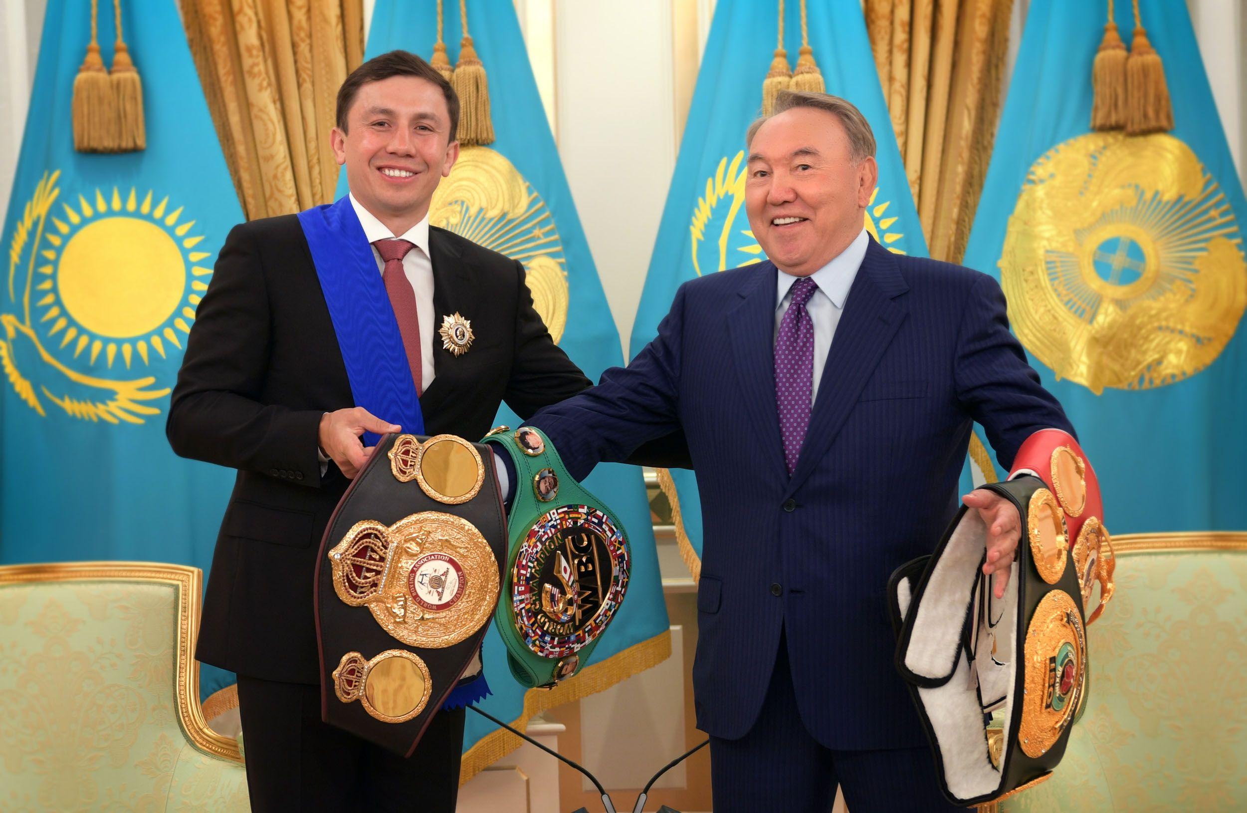 Геннадий Головкин подарил Президенту свои пояса- Kapital.kz