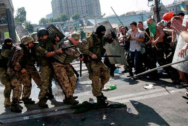 На Майдане появились новые баррикады- Kapital.kz