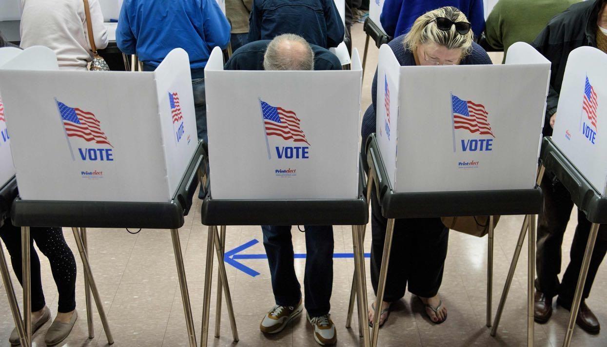 Советник ДональдаТрампа заявил офальсификациях навыборах- Kapital.kz