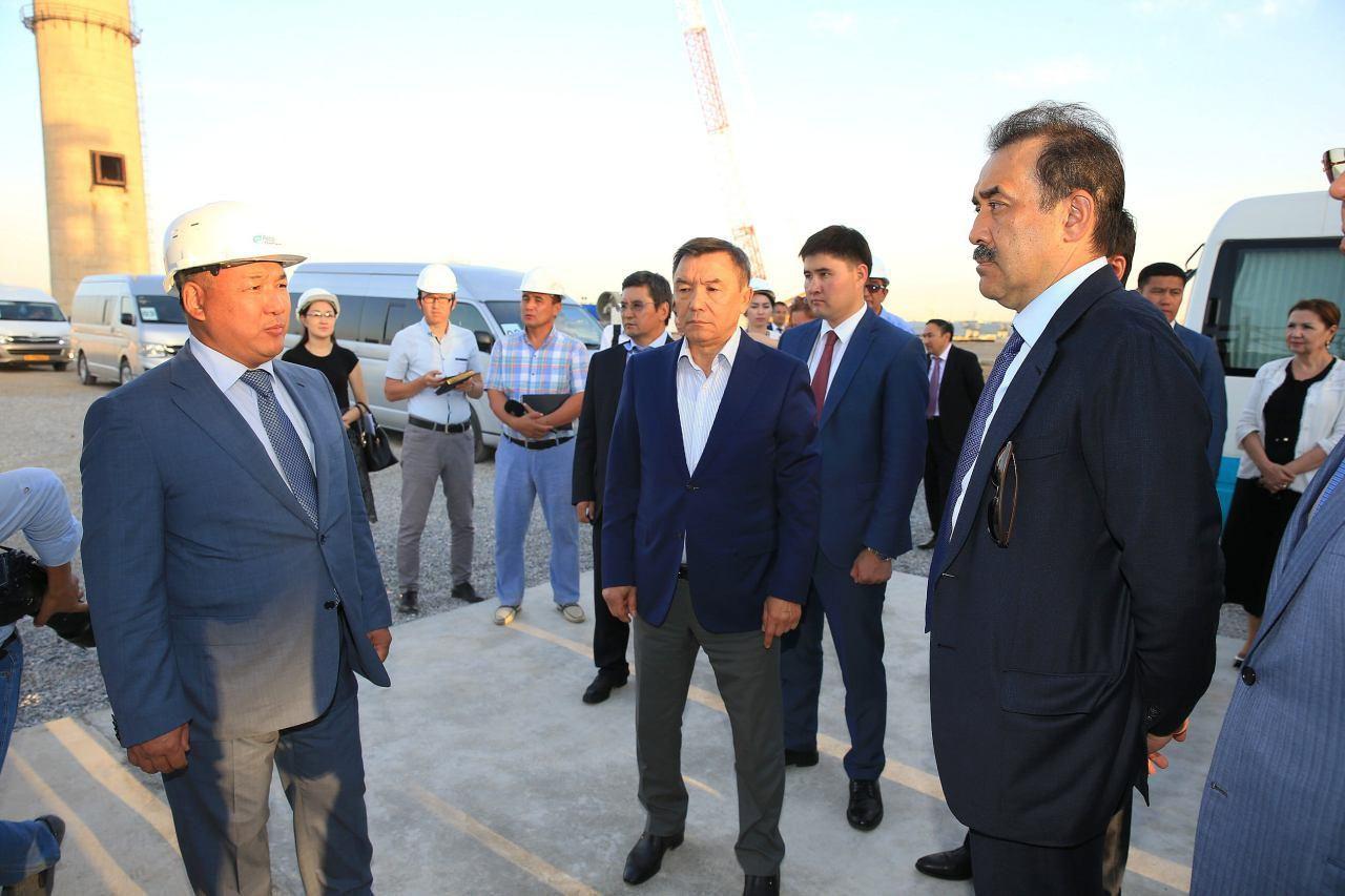 О ходе реализации масштабного проекта, который включен в правительственную программу модернизации нефтеперерабатывающих заводов Казахстана, Премьер-Министру доложили президент предприятия Ц. Ши и первый вице-президент А. Турисбеков.