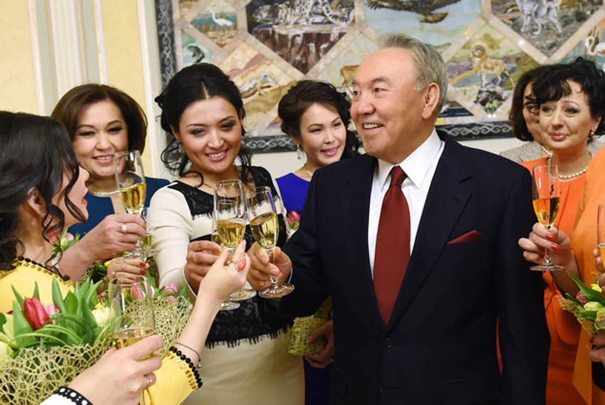 ставках поздравление назарбаева с 1 сентября самые красивые фото