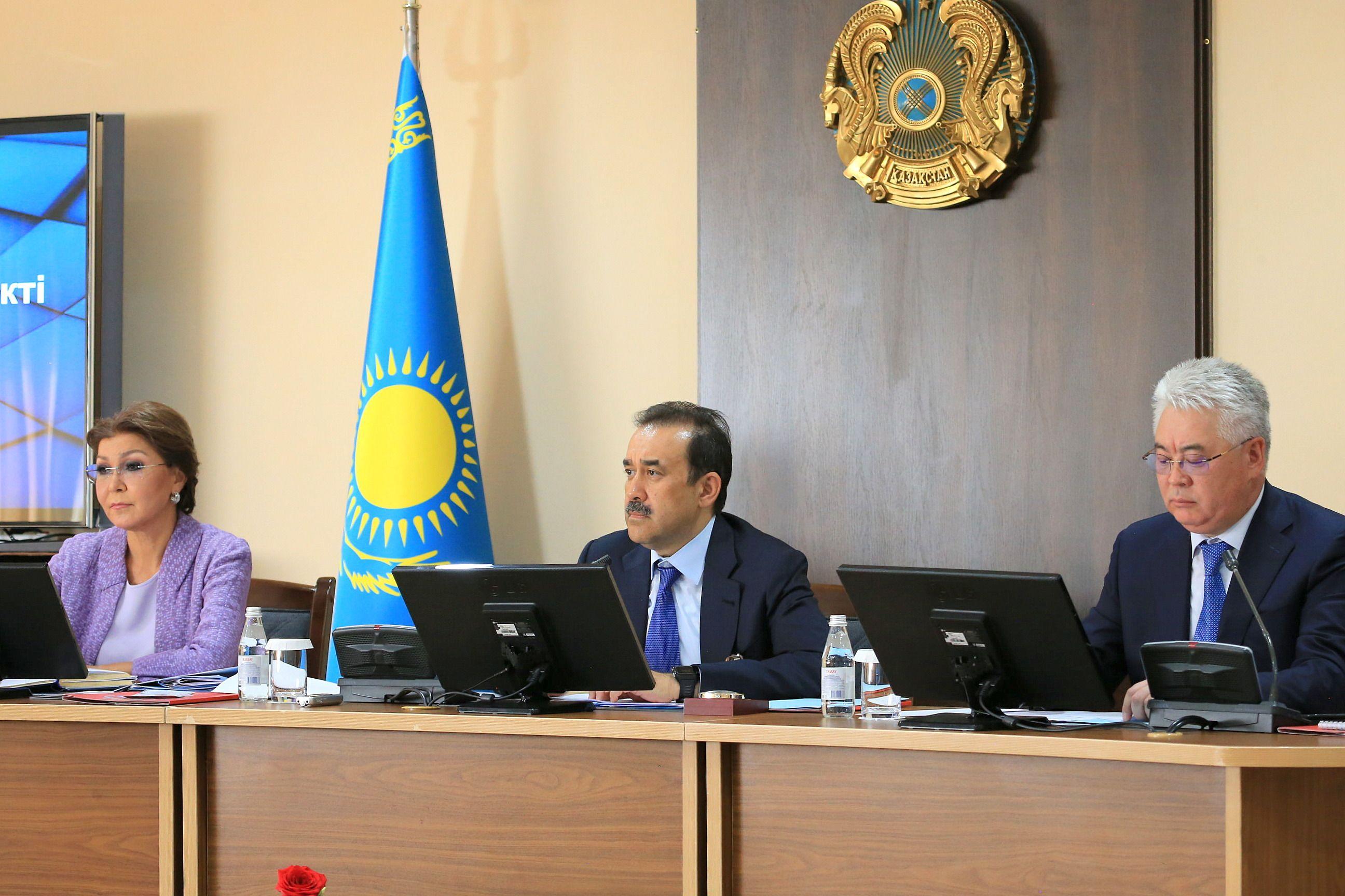 Премьер-министр провел кустовое совещание, посвященное проблемам и перспективам казахстанского образования.