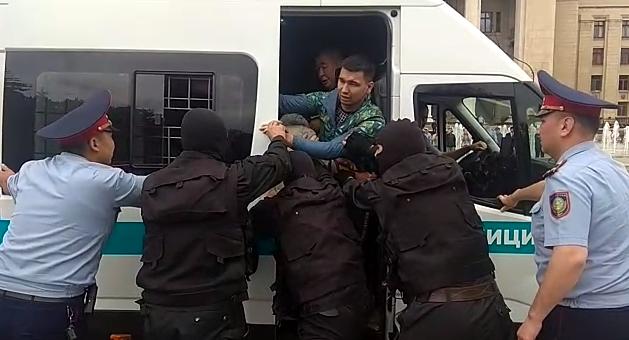 UPD: Задержаны 500 человек в Нур-Султане и Алматы - Kapital.kz