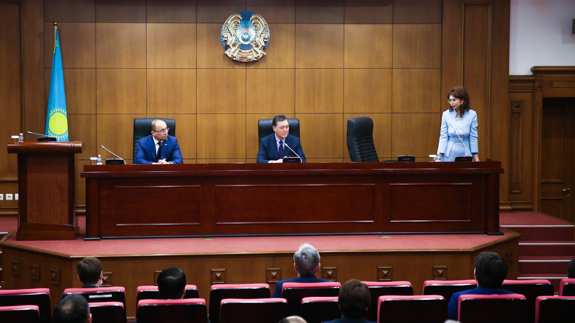 Премьер-Министр Аскар Мамин представил нового Министра информации и общественного развития - Kapital.kz