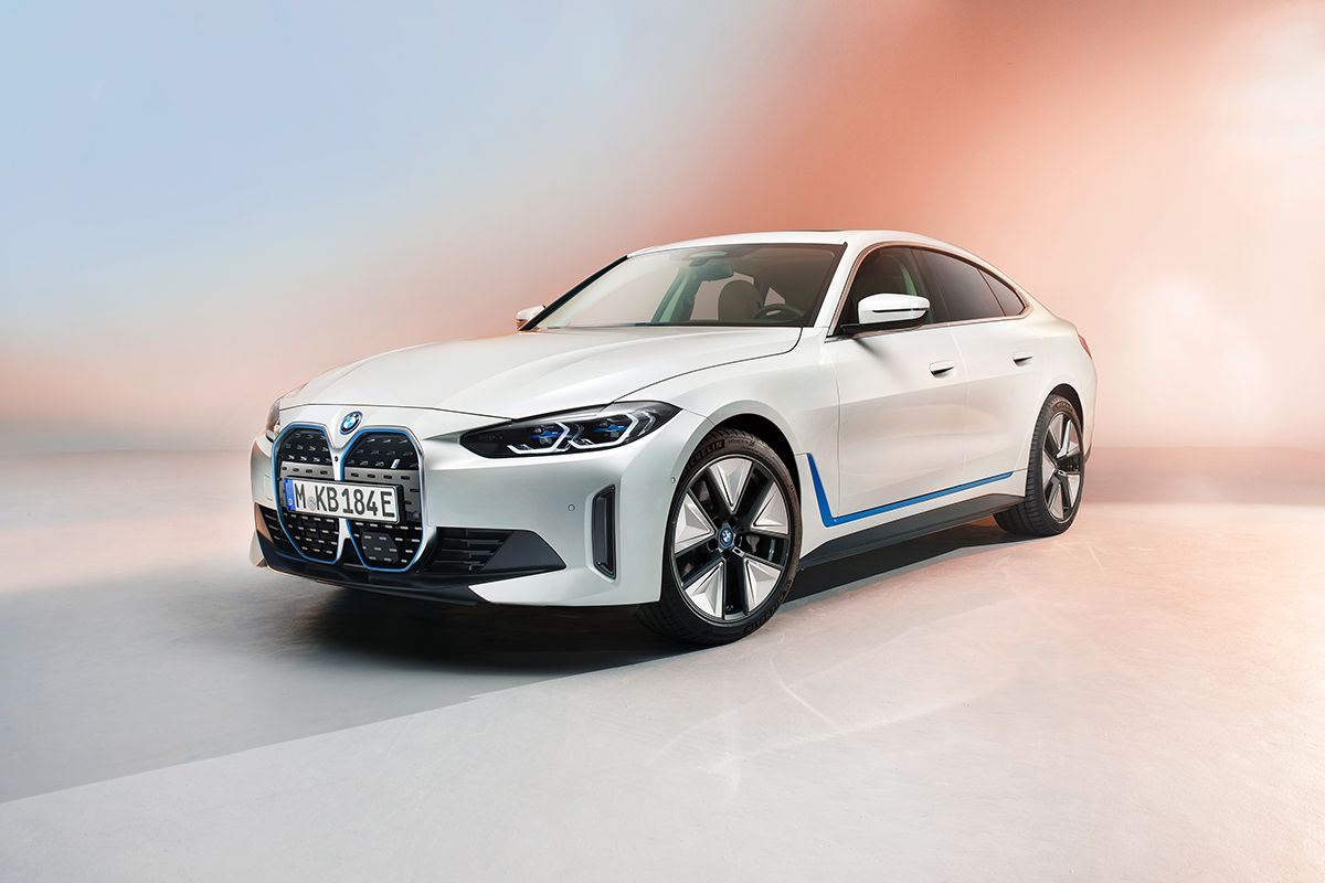 Итоги продаж в РК за февраль, новое лого Renault и BMW i4- Kapital.kz