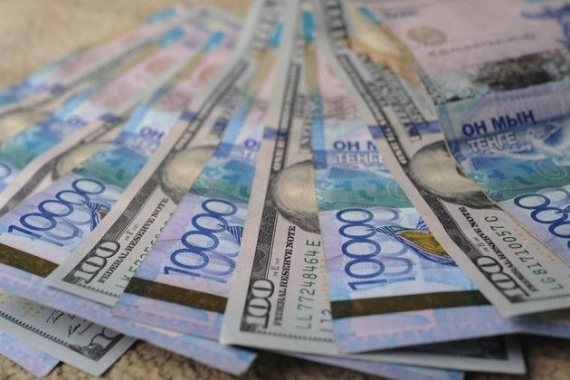 Курс держится уотметки 347тенге задоллар- Kapital.kz