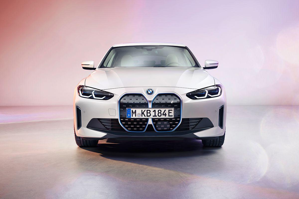 Итоги продаж в РК за февраль, новое лого Renault и BMW i4 663897 - Kapital.kz