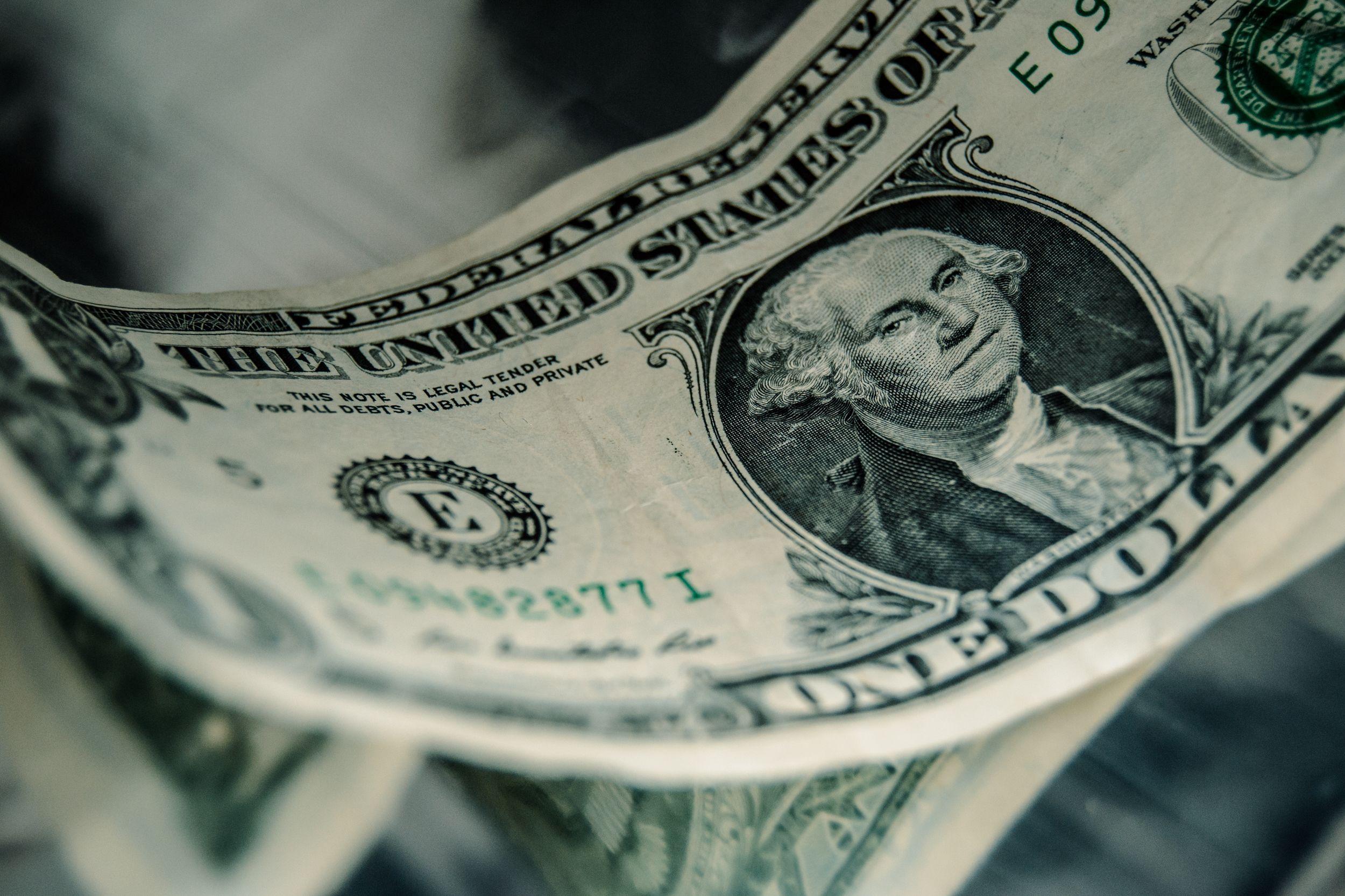 Доллар торгуется возле отметки 386 тенге- Kapital.kz