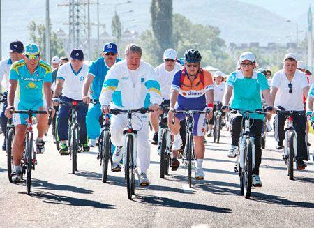 Алматинцы отметили День Конституции велопробегом- Kapital.kz