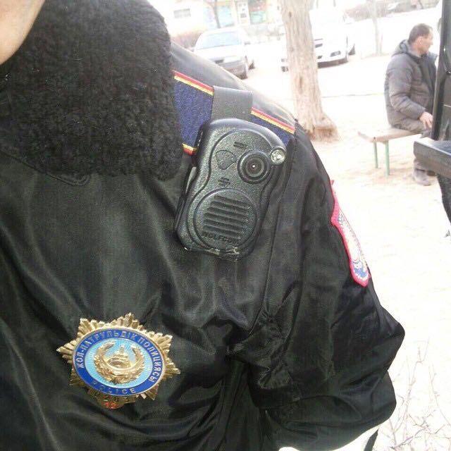 Полицейские обязаны носить видеожетоны - Kapital.kz
